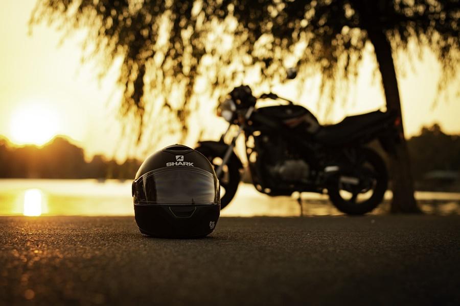 El casco es el elemento más importante de protección